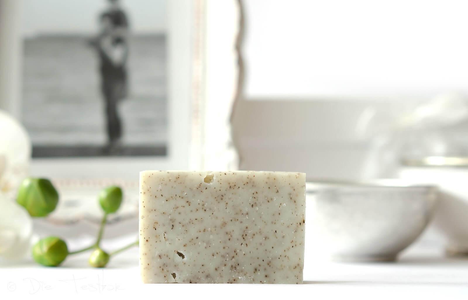 Die anregendste unserer durch Kaltverseifung hergestellten Seifen, unser Schneckenschleim mit einer pflanzlichen Verbindung mit herausragenden Eigenschaften.