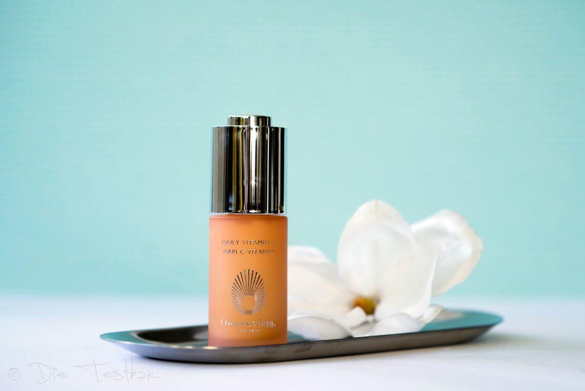 Daily Vitamin C - Feuchtigkeitsspendendes, aufhellendes Tagespflege-Serum von Omorovicza