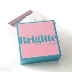 Vor einigen Tagen erreichte uns die aktuelle Brigitte Box. Es ist die erste Überraschungsbox in diesem Jahr und wir waren sehr gespannt auf den Inhalt dieser Beautybox. Dieser, so viel möchte ich vorab schon verraten, kann sich echt sehen lassen. Aber schaut doch bitte selbst.  BRIGITTE Box […]