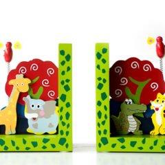 Wir haben bereits gestern eine tolle Geschenkidee von Legler vorgestellt und heute möchten wir an diesen Bericht anknüpfen und in einer weiteren Kurzvorstellung dieBuchstützen Wilde Tiere von Legler vorstellen. Diese sind wunderbar farbenfroh und sind zu einem echt günstigen Preis zu erwerben. 🙂   Geschenkideen – Buchstützen […]