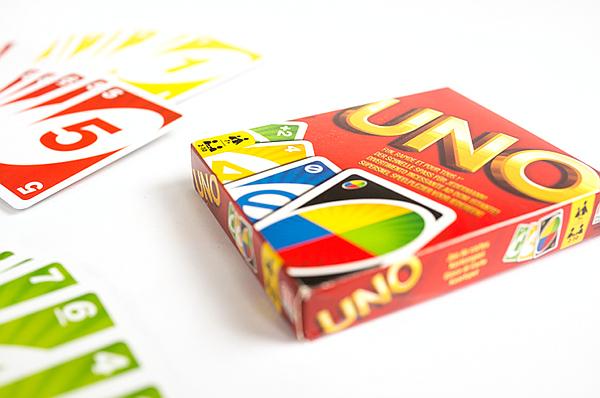 Schenken und Spielen - Phase 10 und Uno