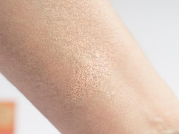 Make-up und Concealer von benefit - erase paste