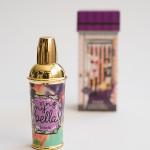 Dekorative Kosmetik und Duft von Benefit