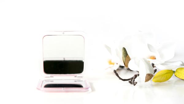 Aufklappbarer Taschenspiegel