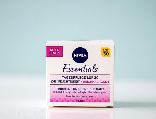 NIVEA Essentials 24h FEUCHTIGKEIT + REICHHALTIGKEIT Tagespflege LSF 30
