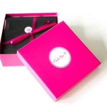 Die Pink Box beinhaltet 5 Beauty-Highlights plus Geschenk und 1 COUCH-Magazin individuell von Pink Box nach Eurem Beauty-Profil zusammengestellt. Dabei ist der Versand dieser Box kostenlos. Wir stellen Euch heute diese Beautybox aus dem Monat November 2017 vor.   Die Pink Box im November 2017 – Me […]