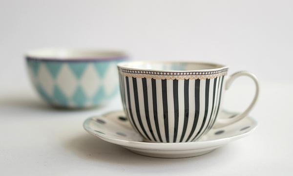 """""""Toile"""" Tee- oder Kaffeetasse Lisbeth Dahl"""