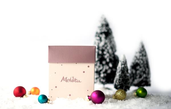 Gewinnset 5 - Feinkost-Set von Wajos und MelvitaMini-Geschenkbox Kirschblüte