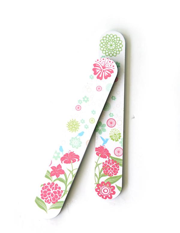 Parsa Sandblattnagelfeile gepolstert im floralen Design für normale Nägel