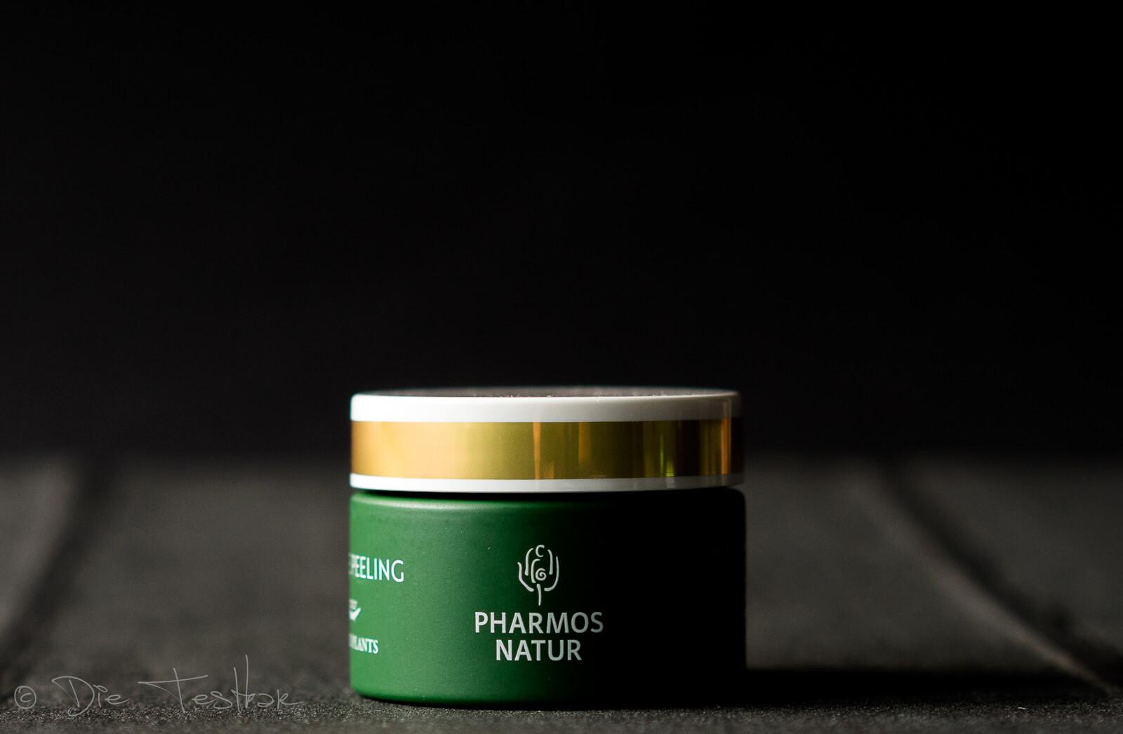 GENTLE PEELING Das rein pflanzliche Algen Peeling reinigt das Gesicht porentief.