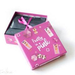 Die Pink Box im September 2018 is powered by Curvy Supermodel. Diese Ausgabe der Beautyboxbeinhaltet 5 exklusive Beauty-Highlights plus Geschenk.DiePink Box kommt monatlich. Die Box und beinhaltet 5 Kosmetikprodukte sowie 1 Zeitschrift. Deine Box wird individuell nach deinem Beauty-Profil zusammengestellt.Sie kostet pro Box 14,95 Euro. Der Versand ist […]