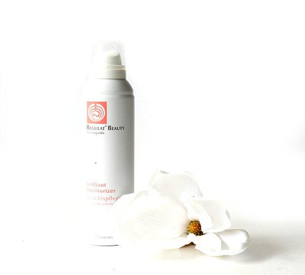 Biologischer Hautpflegeschaum - Brilliant Moisturizer von Regulat Beauty