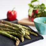 Rezepte – Gebratener grüner Spargel mit Radieschensalat