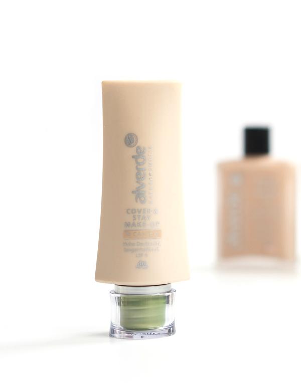 Cover & Stay Make-up von Alverde