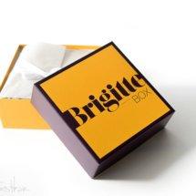 Die BRIGITTE Box ist eine Beautybox und kommt alle 2 Monate und enthält6-10 Beauty-News, ein BONBON, Trends aus der Genusswelt und farbenfrohe Accessoires,PLUS – BRIGITTE-Magazin. Dabei liegt derPRODUKTWERT der einzelnen Boxenbei über 100 Euro. Wir zeigen Euch hiermit die aktuelle Ausgabe dieser Kosmetikbox.   Unbezahlte Anzeige* – […]
