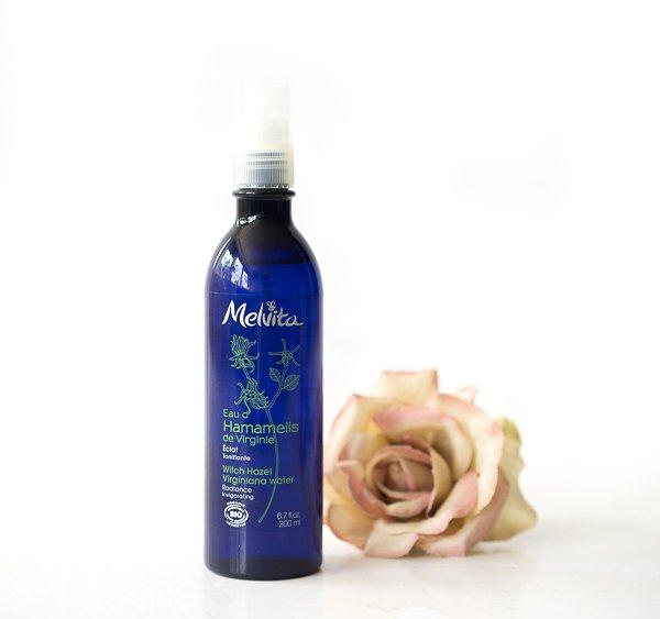 Naturkosmetik - Hamamelisblütenwasser für eine frische Ausstrahlung von Melvita