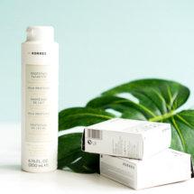 Wir möchten Euch heute einige Kosmetikprodukte aus dem Hause Korres vorstellen. Korres ist im Übrigen ein griechisches Label,welches hochwertige Kosmetik herstellt. Bei diesem Bericht handelt es sich um eine Produktvorstellung die in Kürze durch einen Produkttest ergänzt wird.  Pflegende und dekorative Kosmetik von Korres  Milk Proteins 3 in 1 cleansing emulsion Reinigungsemulsion Das sagt […]