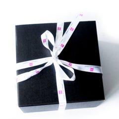 Vor einigen tagen erreichte uns dieBeautyneuheiten der Beautypress News Box im August 2017. Dieses Mal gab es hier eine ganz besondere Überraschung, denn es befand sich eine prall gefüllteGoodie-Bag mit Produkten des Labels Pixi by Petra in der Box. Aber es fanden sich sich viele andere richtig tolle […]
