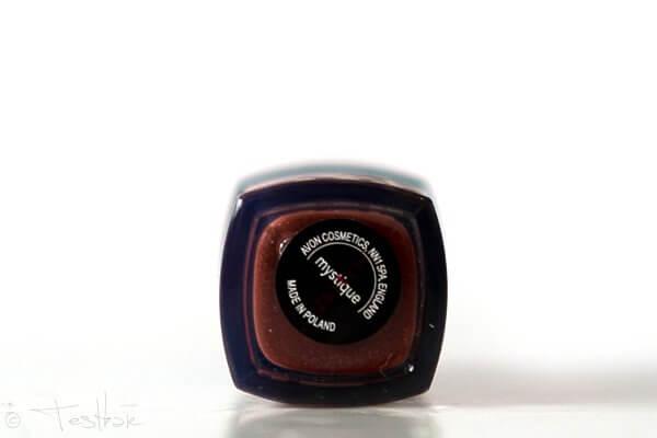AVON mark. Liquid Lipstick Matt -Mystique
