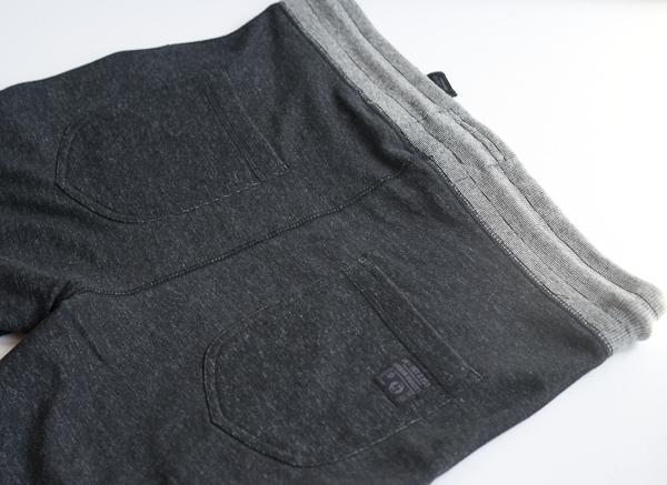Sweatshorts mit Kontrastkordel