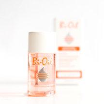 Das Bi-Oil dürfte wohl jedem bekannt sein. Ich kenne viele Menschen die das Bi-Oil in der Schwangerschaft benutzt haben um Schwangerschaftsstreifen vorzubeugen. Wir haben das Bi-Oil auf dem Beautypressevent erhalten und haben es uns einmal angesehen.  Bi-Oil Hautpflegeprodukt Das sagt die Produktbeschreibung: Über Bi-Oil Bi-Oil ist ein spezielles Hautpflegeprodukt, das die Vorteile eines Pflegeöls mit […]