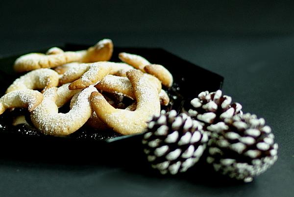 Weihnachtsbäckerei - Mandelkipferl