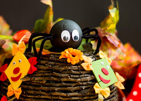 Halloween - Kleine Kulleraugen-Spinne basteln
