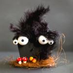 Gruselige Dekoideen – Halloween – Kulleraugen-Fledermaushaus zum selbermachen